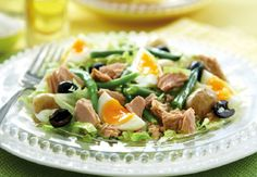 Tickle your taste buds with a light and healthy lunch at Cafe Noir on the ground floor at Be sure to ask for the Nicoise Tuna Salad. Egg Recipes, Real Food Recipes, Salad Recipes, Free Recipes, Tuna Nicoise Salad, Clean Eating, Healthy Eating, Healthy Lunches, Salad Wraps