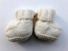 Mitzi, Swineshead, Lincolnshire Knitting Socks, Knitted Hats, Charity, Gloves, Slippers, Knit Socks, Sneakers, Slipper, Mittens