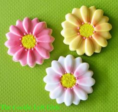 Pretty royal icing decorated flower cookies with nice dimension.