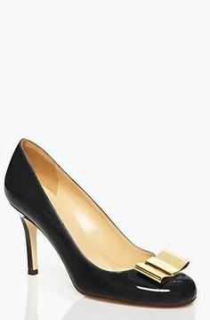 sweet bow heels. i'm in love!