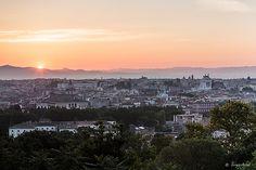Amanecer en Roma. Un paseo por la ciudad desde momentos antes de la salida del sol.  Foto de Sergio Arias.
