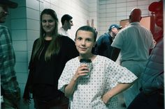 Netflix Releases Candid BTS Photos From Stranger Things - Popular Netflix Movies,Series and Cartoons Suggestions Stranger Things Fotos, Stranger Things Kids, Stranger Things Netflix, Por Tras Das Cameras, Netflix Releases, Enola Holmes, Idole, Film Serie, Millie Bobby Brown