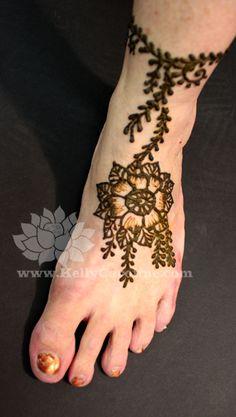 foot henna tattoo