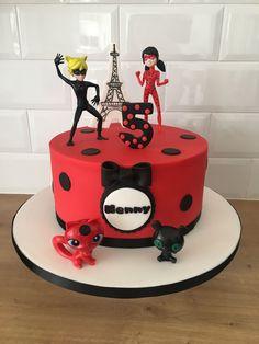 Ladybug and Cat Noir cake – Lace Wedding Cake Ideas Barbie Torte, Barbie Cake, Party Cakes, Party Favors, Miraculous Ladybug Party, Ladybug And Cat Noir, Ladybug Cakes, Superhero Cake, Baby Birthday