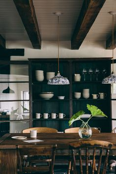 Paint shelves a dark shade to add contrast | Lobster & Swan