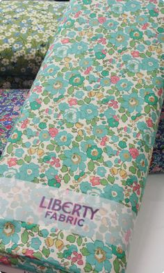 Liberty Print Tana Lawn - Betsy -Lightweight cotton tana lawn produced by British Design House Liberty.