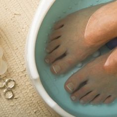 Fingernail, toenail and foot care beauty recipes to make at home and give as gifts to include fingernail brightener,beach foot scrub, apricot foot oil,cuticle cream with Aztec Secret Indian Healing Clay and many more. Diy Beauty, Beauty Hacks, Beauty Essentials, Beauty Tips, Indian Healing Clay, Water Nails, Pedicure At Home, Wedding Day Makeup, Beauty Recipe