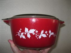 VINTAGE ruby red JAJ milk glass pyrex casserole dish clear lid absolutely perfect