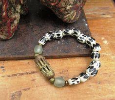 Rythmes d'Afrique : bracelet tribal ethnique perles en os ..... : Bracelet par les-reves-de-minsy