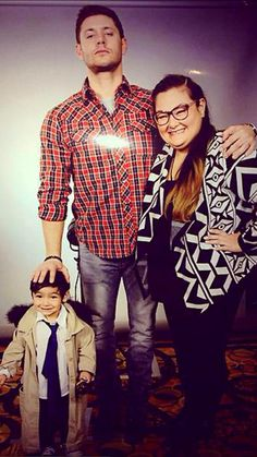 OMG!!! THIS IS SO CUTEST PHOTO OP EVER  LOOK AT THE BABY!CAS' SMILE #SFCon