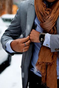 Men'S business casual scarf with suit jacket Fashion Mode, Look Fashion, Mens Fashion, Fashion Trends, Swag Fashion, Fashion Updates, Winter Fashion, Fashion Ideas, Fashion Details