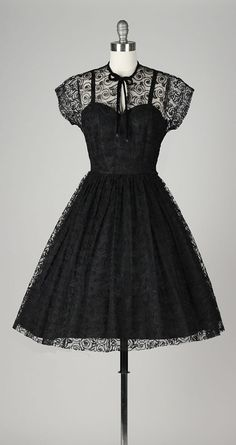 vintage 1950s dress . black swirl lace