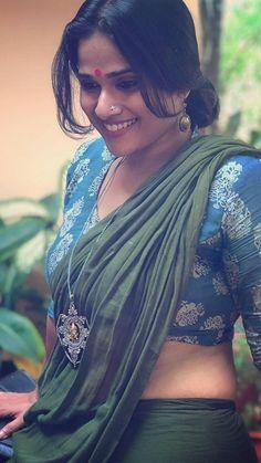Qt and romantic Beautiful Saree, Beautiful Indian Actress, Beautiful Outfits, Beautiful Women Over 40, Beautiful Asian Girls, Saree Photoshoot, Cute Girl Pic, Indian Celebrities, Indian Beauty Saree