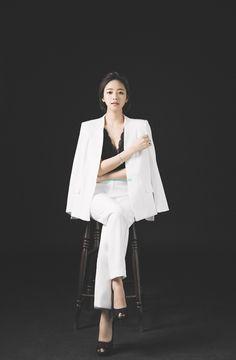 AURA CLASSY [2017] - KOREA PRE-WEDDING PHOTOSHOOT by LOVINGYOU