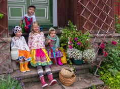 Dukiboo's poetic folkloric clothes #Estoniandesign #Italiancotton