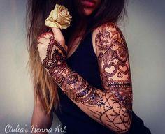 My lovely henna design #henna #design #tattoo #sleeve #hennadesign #hennasleeve #art #work #hennalover #byme #tattoosleeve #rose #Ciuliahennaart #mehndi #details
