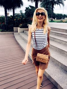 Lifestyle, Fashion and Trends make life Glow! Straw Bag, Glow, Walking, Trends, Park, Lifestyle, How To Make, Outfits, Tops