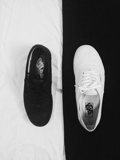 Black&White. #vans #authentic #fullwhite #fullblack