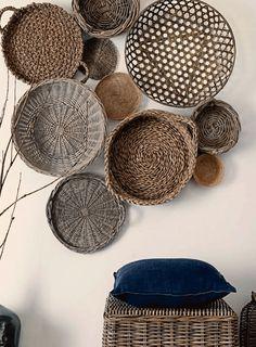 #mand #basket Manden aan de muur. Kijk eens bij www.worldwide-living.nl