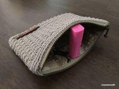【編み図】ぷっくり地模様のファスナーポーチ – かぎ針編みの無料編み図 Atelier *mati*