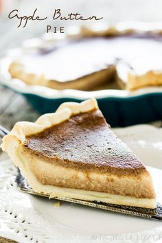 The texture of pumpkin pie with the taste of apple! Apple Butter Pie has a 5 min… The texture of pumpkin pie with the taste of apple! Apple Butter Pie has a 5 minute filling bursting with traditional fall flavor. Fall Dessert Recipes, Pie Dessert, Fall Desserts, Just Desserts, Sweets Recipes, Holiday Recipes, Thanksgiving Pies, Butter Pie, Butter Recipe