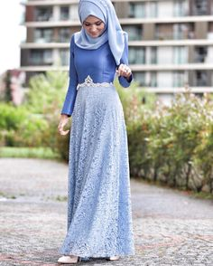 blue hijab style - so beautiful 💙💙💙 Abaya Fashion, Modest Fashion, Fashion Dresses, Dress Brukat, The Dress, Modest Dresses, Simple Dresses, Model Baju Hijab, Hijab Gown