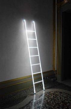 Senza titolo la scala a pioli del 2012. Misure: 250x40 cm