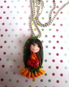 Collana con ciondolo bambolina su medaglione, by Magicla, 8,00 € su misshobby.com