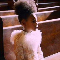 beyonce and blue Little Girl Hairstyles, Cool Hairstyles, Beyonce Makeup, Black History Month Quotes, Flat Twist Out, Hair Milk, Carter Kids, Honey Hair, Beyonce And Jay Z
