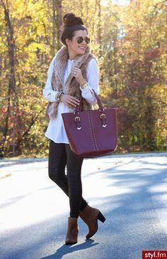 long, flowy shirt with leggings. comfy and chic!