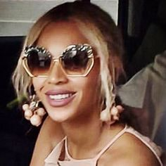 Beyonce spotted sporting shades made in New Orleans Cool Sunglasses, Sunglasses Women, Kate Hudson, Elle Fanning, Reese Witherspoon, Alessandra Ambrosio, Celebs, Celebrities, Kendall Jenner