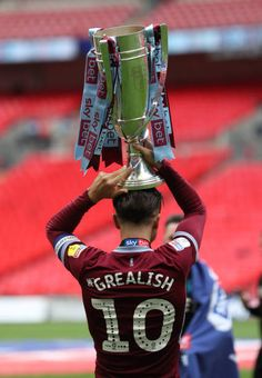 Aston Villa Pictures and Photos - Getty Images Football Games On Tv, Soccer Teams, Football Stuff, Football Soccer, Aston Villa Wallpaper, Wallpaper Art, Aston Villa Team, Chelsea Players, Jack Grealish