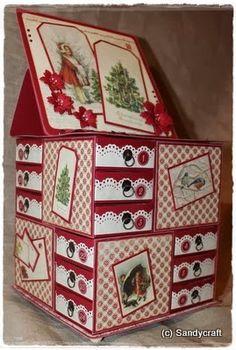 Adventkalender-Kommode mit 24 Mini-Schubladen