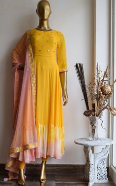 Pakistani Dress Design, Pakistani Dresses, Indian Dresses, Indian Suits, Punjabi Suits, Indian Wear, Half Saree Designs, Kurti Neck Designs, Muslim Fashion