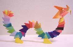 Origami dragon.  This sure beats the wreath we usually make with this modular design.  End of year plan--yes! Papercraft, Paper Dragon, Dragons, Modular Dragon, Origami Dragon, Paper Crafts, Kid Crafts