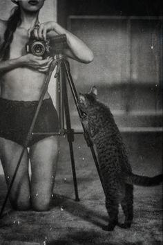 Angelika Ejtel and cat