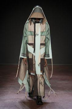 Fashion 2018, Runway Fashion, Fashion Models, Mens Fashion, Fashion Brands, Vetements Clothing, London Fashion Week Mens, Craig Green, Fashion Details