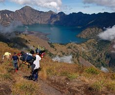 Enjoy the beautiful sunrise as well as Senaru crater rim by camping under the almighty of second highest volcano in Indonesia, Mount Rinjani Lombok.