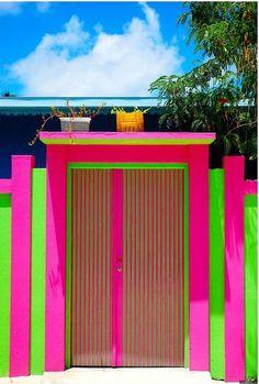 Los colores flúor llegan a tu puerta - Decoración de Interiores | OpenDeco
