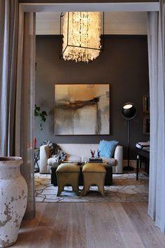 sophisticated living room with dark bronze walls (sherwin williams, urbane bronze)