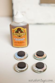 There are three different types. Craft marble, wooden square and bottle cap.