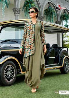 Latest Pakistani koti style dresses collection includes top designer koti for formal dresses Informations About Koti style dresses Pi Stylish Dresses, Simple Dresses, Fashion Dresses, Stylish Kurtis, Formal Dresses, Indian Designer Outfits, Designer Dresses, Designer Kurtis, Kurta Designs
