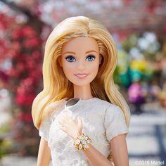 47.8 тыс. отметок «Нравится», 133 комментариев — Barbie® (@barbiestyle) в Instagram: «A little sparkle goes a long way!   #barbie #barbiestyle»