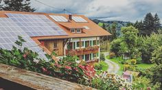 Auf dem Land am Fuße der Alpen. - - - #kempten #allgäu #alpen #alpenliebe #landschaftsfotografie #landschaft #landscape #landscapelover #alps #instagram #instagood #visit #visitgermany #ig_europe #ig_germany