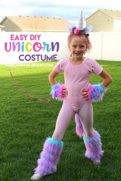 This Unicorn costume is a pretty easy DIY (cause I Love easy!) It's cute and easy to adapt into whatever color of Unicorn you are going for! Here is what you need: Fake colorful fur (got mine at Joann Unicorn Halloween Costume, Hallowen Costume, Diy Halloween Costumes For Kids, Fete Halloween, Diy Costumes, Costumes For Women, Costume Ideas, Party Unicorn, Diy Unicorn Costume