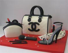 Cake of Paola Azzolina. Love Chanel.