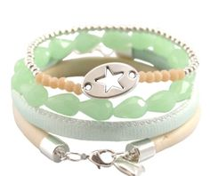 armbanden van verschillende soorten van kralen.