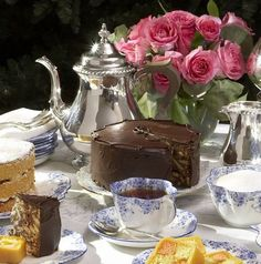 Chocolate Biscuit Cake made with Rich Tea Biscuits ~ from the Royal Chef ~.Time for afternoon tea ~ Food Cakes, Tea Cakes, Cupcake Cakes, Chocolates, Rich Tea Biscuits, Royal Recipe, Chocolate Biscuit Cake, Let Them Eat Cake, Afternoon Tea