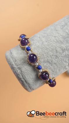 Beebeecraft tips on making Amethyst bracelet with gemstonebeads. Bead Jewellery, Jewelry Making Beads, Wire Jewelry, Jewelry Crafts, Beaded Jewelry, Handmade Jewelry, Beaded Bracelets, Amethyst Armband, Amethyst Bracelet
