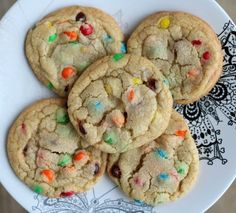 M&M Cookies - Tried & True Perfect M M Cookies.Soft, chewy, but still with crispy edges. These cookies bake up quickly and deliciously!Perfect M M Cookies.Soft, chewy, but still with crispy edges. These cookies bake up quickly and deliciously! Delicious Cookie Recipes, Baking Recipes, Sweet Recipes, Dessert Recipes, Yummy Food, Tasty, Easy Cookie Recipes, M M Cookies, Yummy Cookies